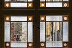 Klatka schodowa - okna zkolorowymi szybkami